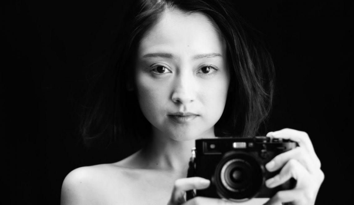 מאחורי הקלעים עם הפקה יפנית שצולמה עם המצלמה החדשה של פוג'י ה X-H1