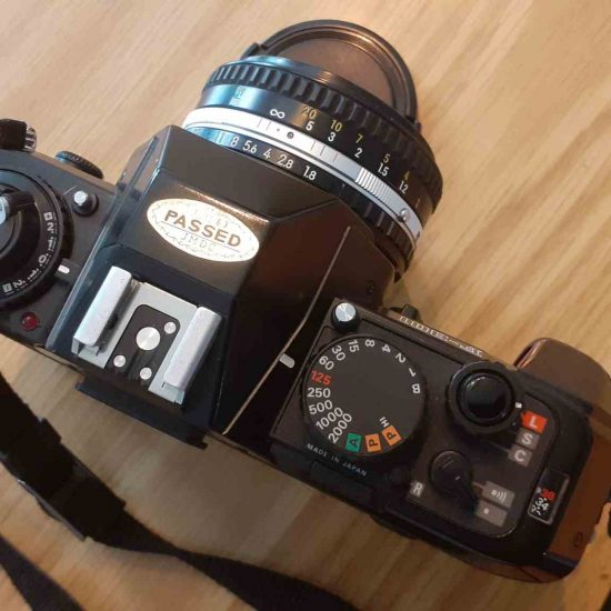 """מצלמת פילים ניקון F-301 + עדשה 50 מ""""מ."""