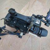 מצלמת סוני FS7 שהמעיטה לצלם כולל עדשת סוני 18-105, כרטיסים וסוללות.